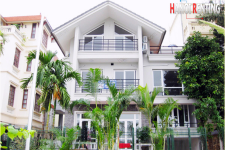 Front lake villa for rent in Tay Ho with pool, roof terrace & 5 beds