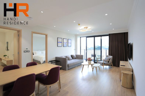 Beautiful & Lake view apartment 02 beds for rent on Truc Bach st