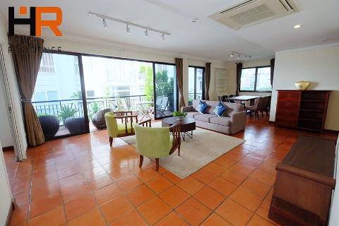Elegant 03 bedroom apartment with large balcony in Truc Bach, Ba Dinh dist