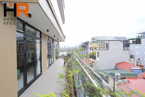 Brand-new 02 beds apartment with larger balcony & lake view in Truc Bach