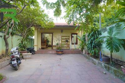 Garden 3 bedroom house for rent with large court yard in Dang Thai Mai