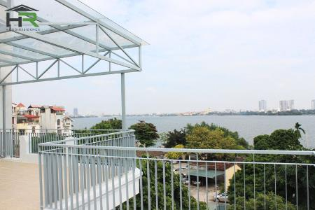 Lake view, modern 3bedroom house in South of Tay Ho, near Ba Dinh