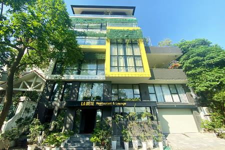 Modern 5 bedroom house for rent in Tay Ho with elevator and amazing view